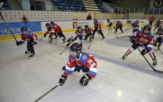 Звезды отечественного хоккея провели мастер-класс для юных норильчан