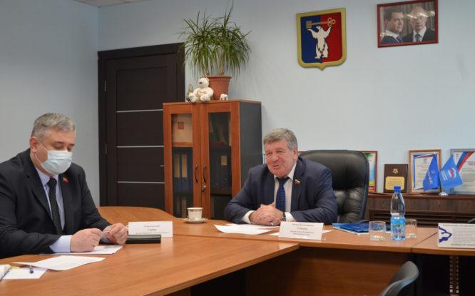 Сенатор Валерий Семенов ответил на вопросы норильчан