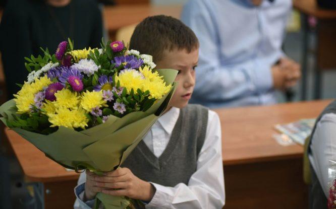 Принимать детей в первый класс будут по новым правилам