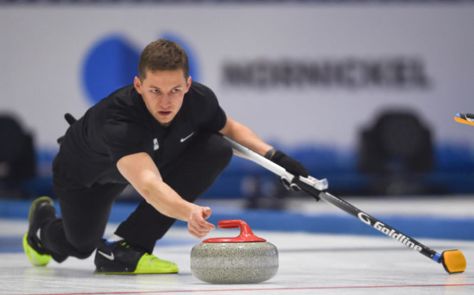 В Дудинке продолжается международный турнир по керлингу Arctic Cup 2021