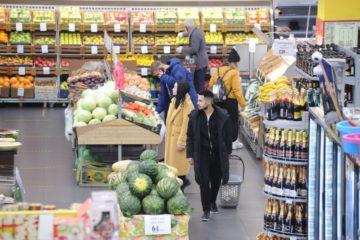 Россияне «проедают» сбережения и беднеют