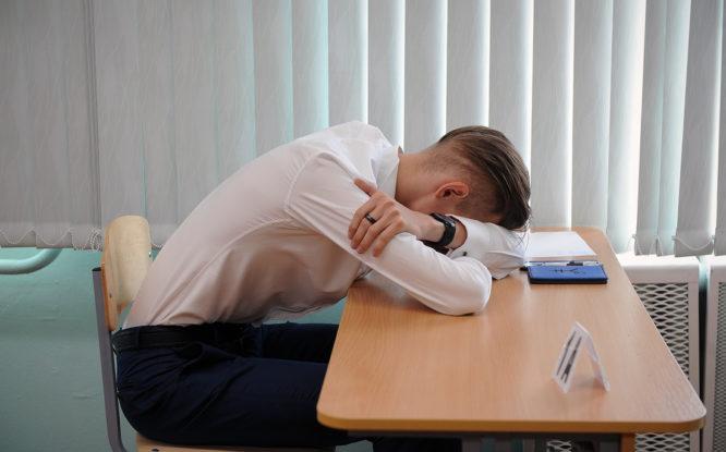 В разгар экзаменов медики напоминают об опасности энергетических напитков