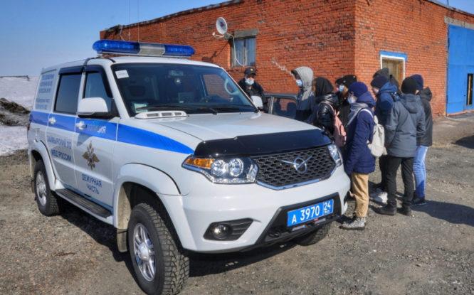 Школьникам Норильска показали, как работает транспортная полиция