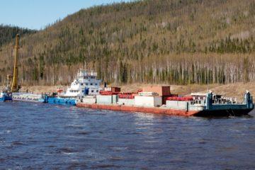 Жителям отдаленных территорий края доставляют уголь и ГСМ