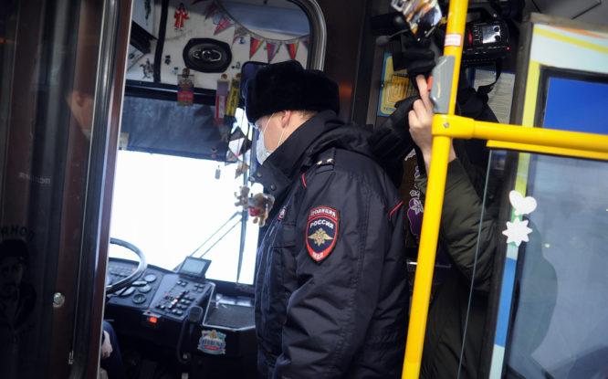 За отсутствие маски в городском транспорте с начала года оштрафовали 50 норильчан