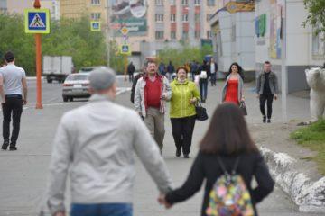 Для жизни в пандемию семьям в России нужно зарабатывать хотя бы 60 тысяч рублей