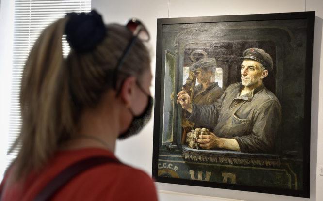 В Норильске продолжает работу выставка из Русского музея