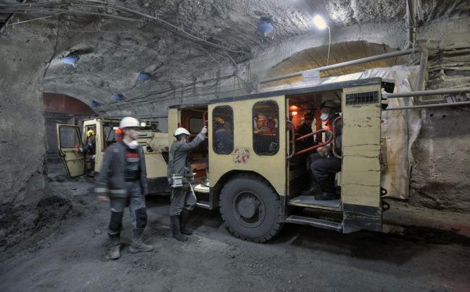 На километровой глубине рудника «Скалистый» хотят построить трассу из геоматов