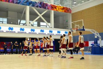 Баскетболистов ЦСКА приветствовали в спорткомплексе «Айка»