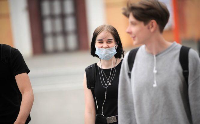 Ученые создали материал для масок, который быстро убивает коронавирус