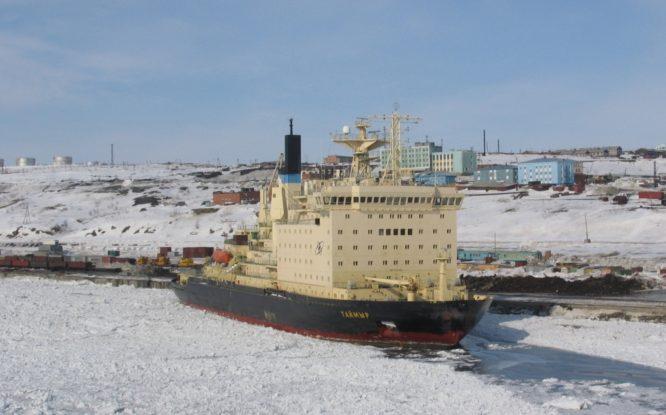 «Норникель» подписал соглашение о строительстве нового ледокола для Севморпути