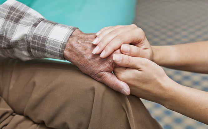 Ко Дню пожилого человека в Норильске прошла благотворительная ярмарка