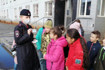В Норильске инспекторы познакомили школьников с работой ГИБДД