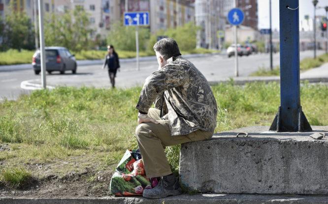 Почти половине россиян тяжело работать после отпуска