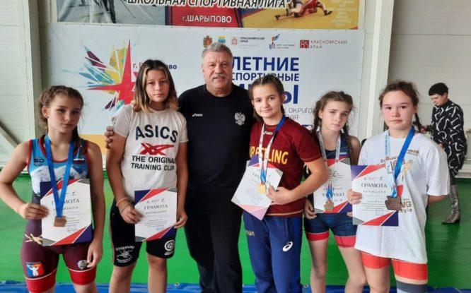 Воспитанники норильской спортшколы вернулись домой с россыпью медалей