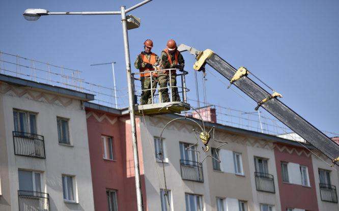 Освещение на главной улице Норильска восстановят до ноября