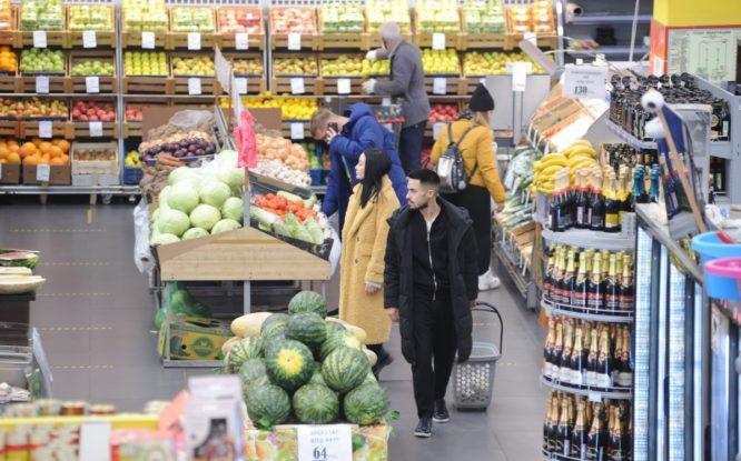 Роспотребнадзор напомнил: покупателям можно снимать фото и видео в магазинах