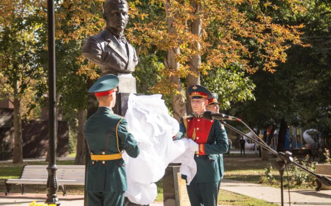 Автору воспоминаний о Норильлаге открыли памятник в Крыму