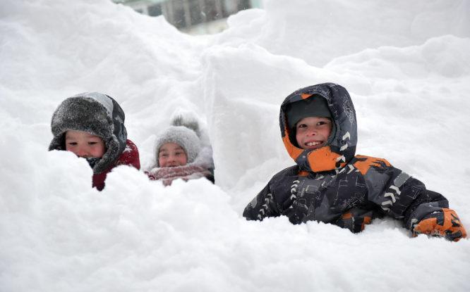 За зиму в Норильске выпадает около 80 миллионов кубометров снега