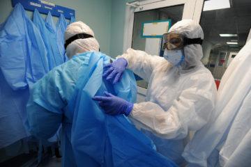Ситуацию с коронавирусом в России назвали близкой к критической